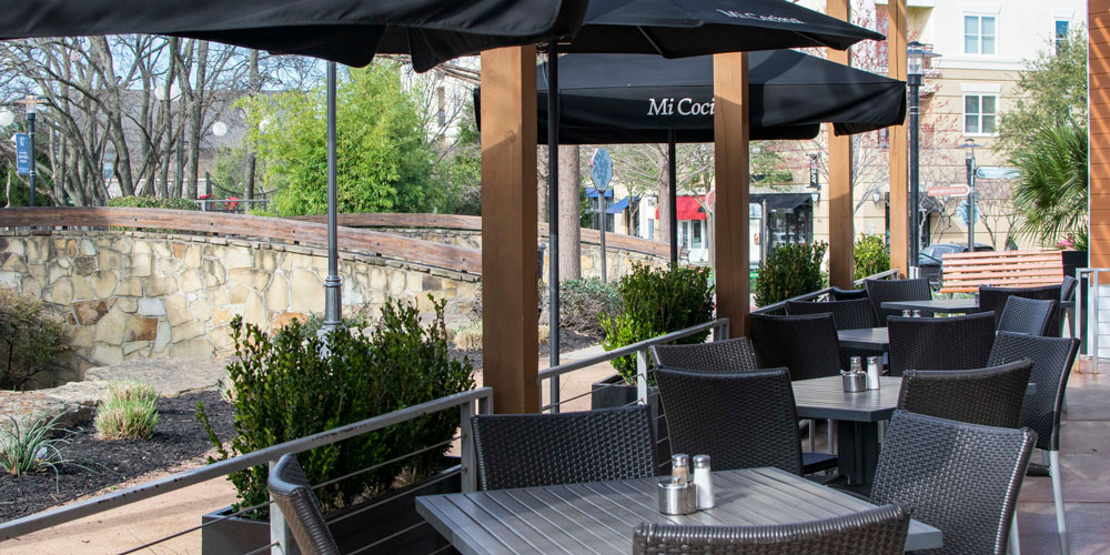 Mi Cocina Watters Creek Front Patio